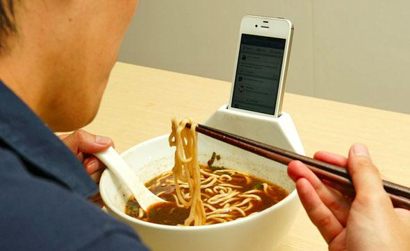 ramen-iphone-dock