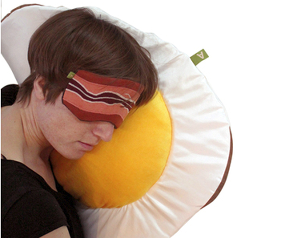 bacon-eggs-pillow