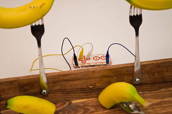 banana-pong-2