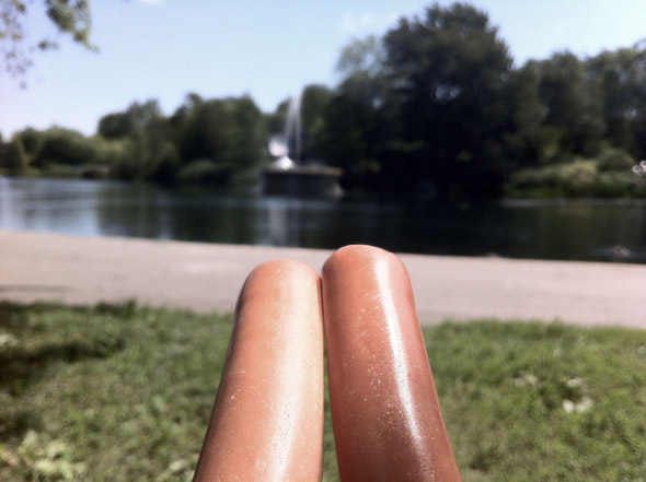 hot-dog-legs