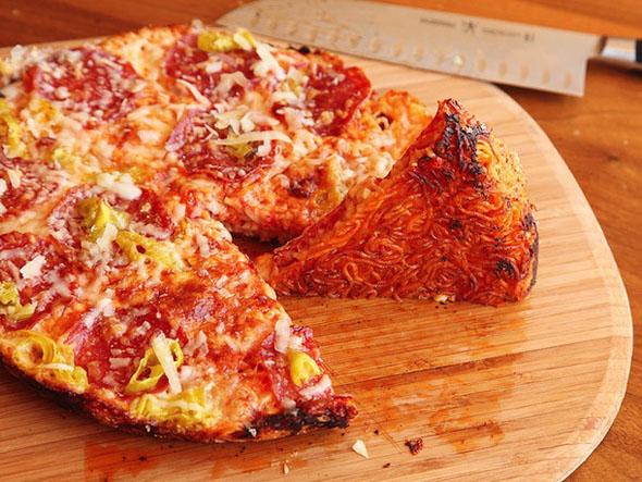 ramen-pizza