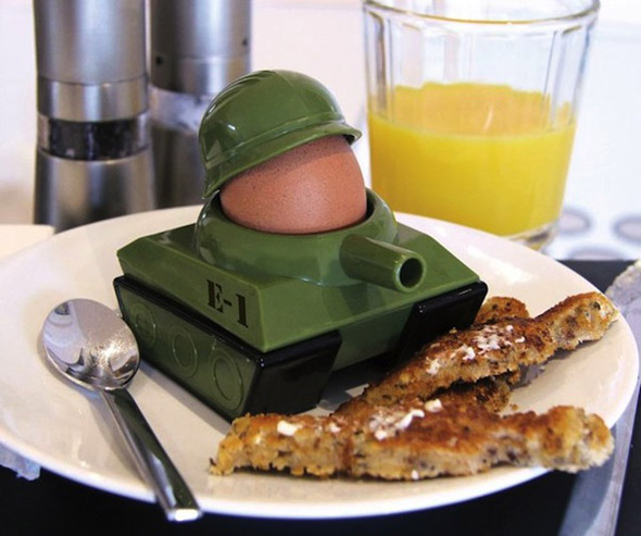 Eggsplode-Egg-Cup-and-Soldier-Cutter-1