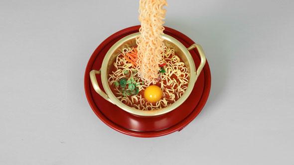 seung-yul-oh-suspends-hyper-realistic-resin-noodle-sculptures-designboom-2