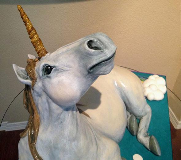 unicorn-ranbow-fart-cake-3