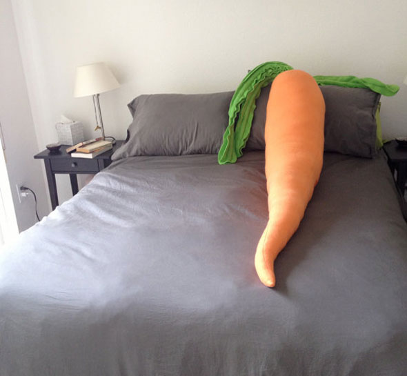 carrot-pillow-2