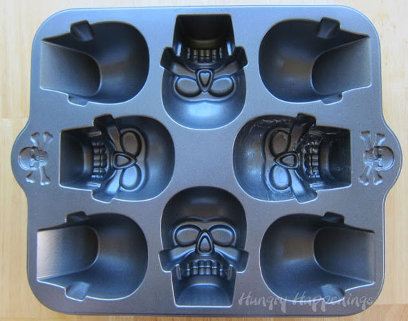 Wilton-3-D-skull-pan-recipes-