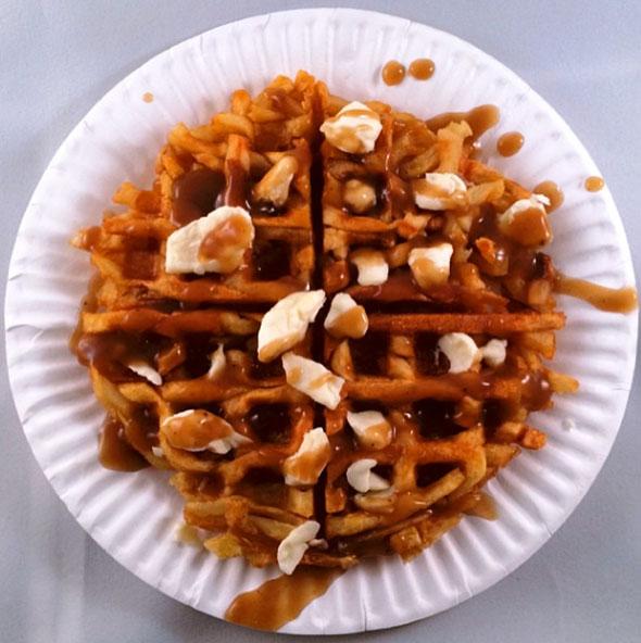 poutine-waffle-2