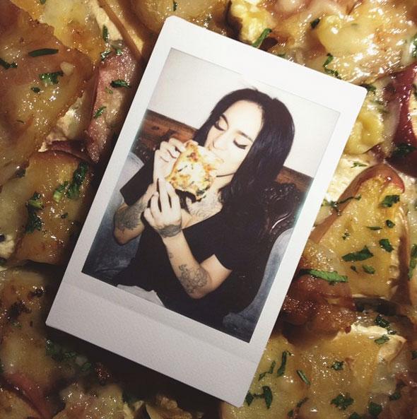 girls-pizza
