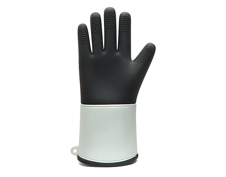 ilsh_trooper_silicone_oven_mitt_back