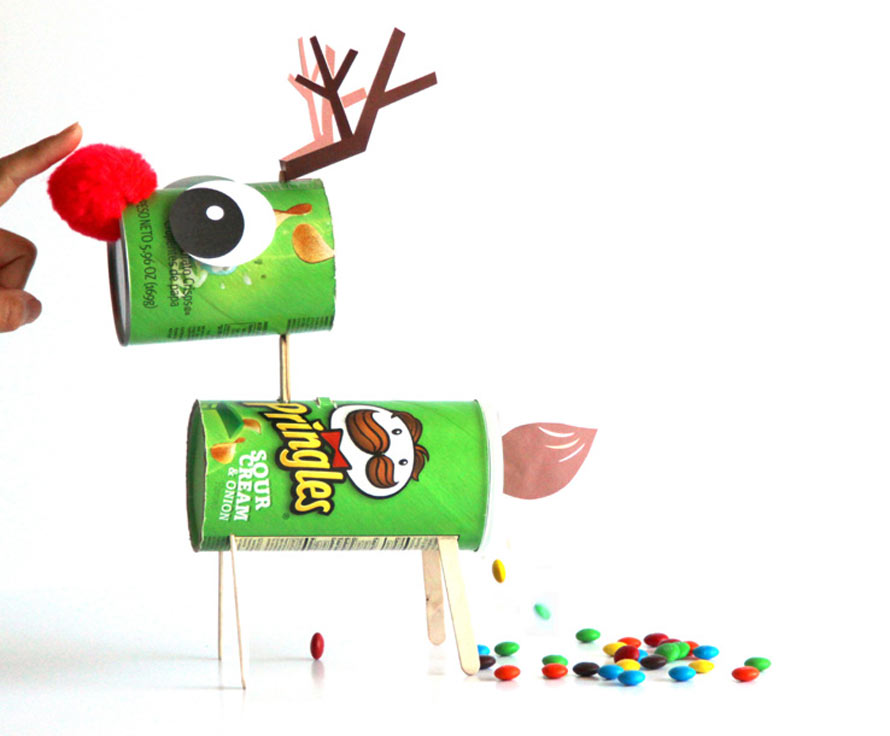 make-candy-pooping-reindeer-apieceofrainbowblog-1