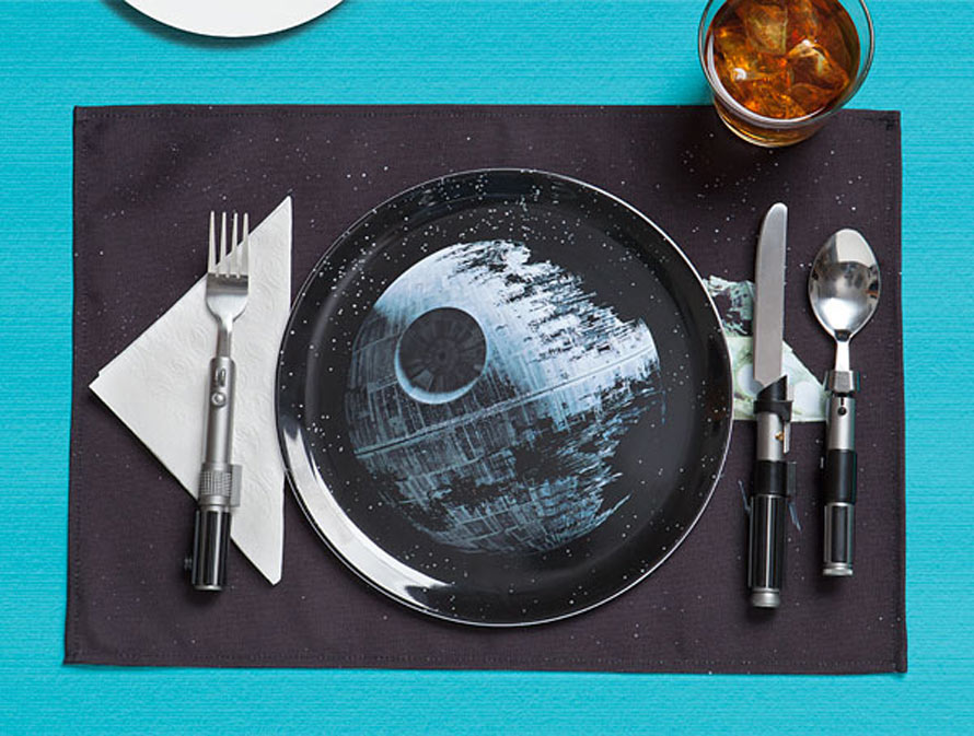 ionl_sw_dinner_set_spacebattle_inuse