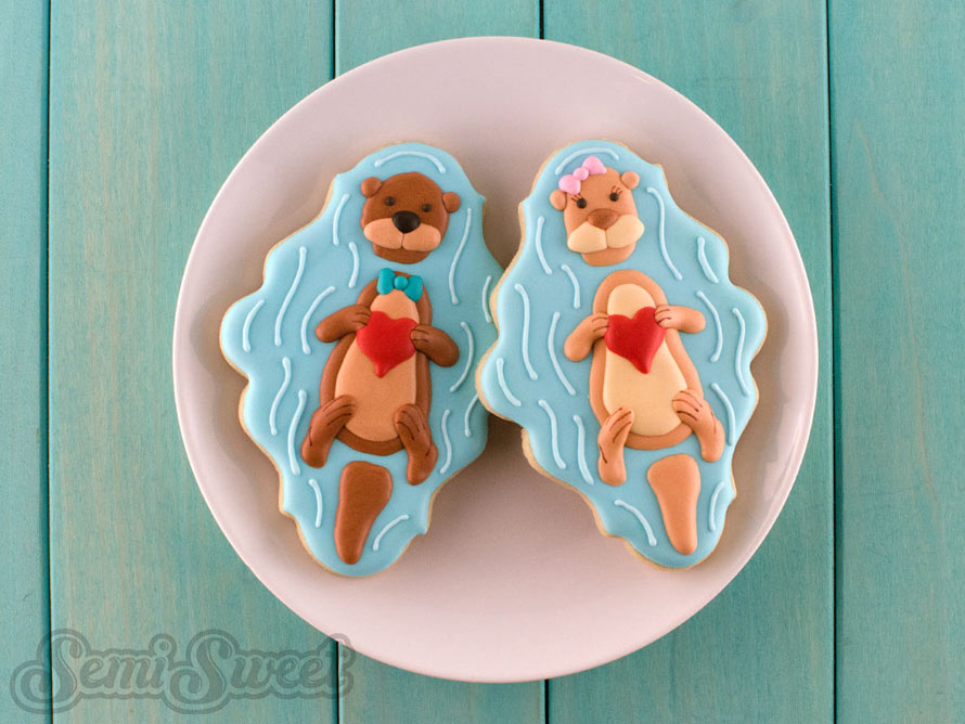 valentine-otter-cookies-single-pair