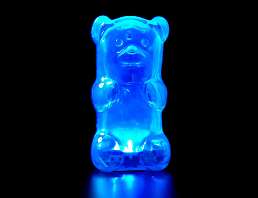 Gummy_Bear_Lamp_Blue_07_lit