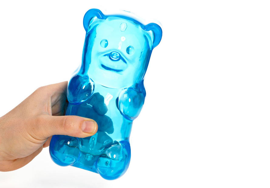 gummy-bear-light-in-hand