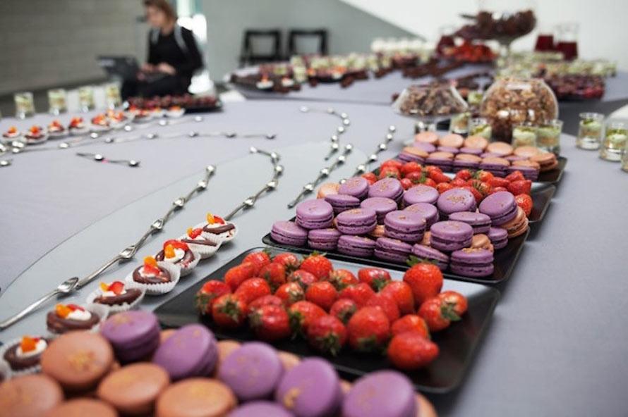 Inventive-Anamorphic-Food-Art4