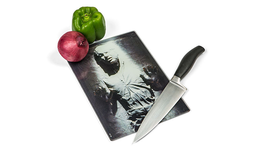 ivnt_sw_han_solo_cutting_board