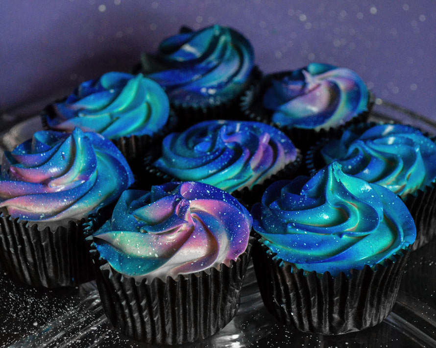 galaxy-cupcakes