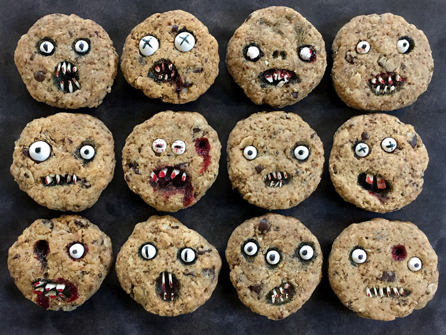 creepy-chocolate-chip-cookies