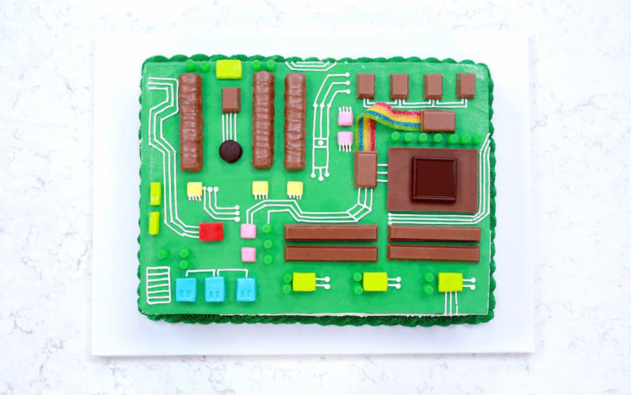 motherboard-cake-2
