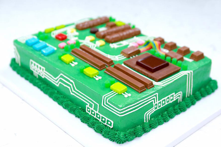 motherboard-cake