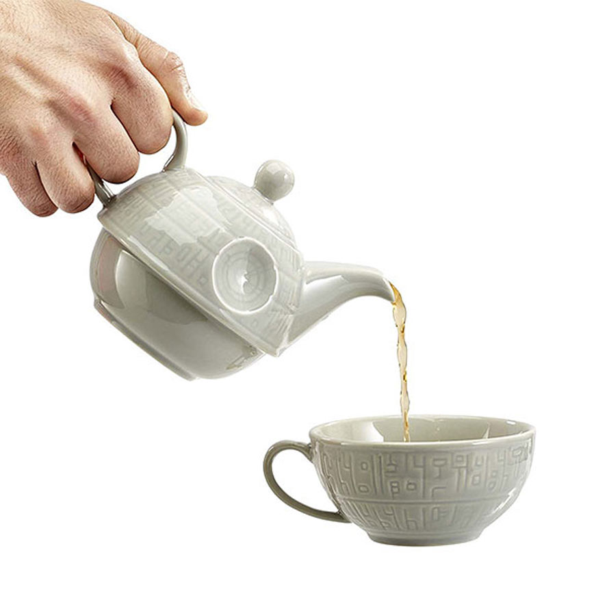 jroo_death_star_teapot_inhand